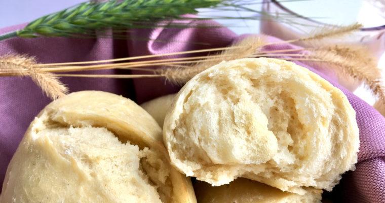 Milchbrötchen Rezept – super fluffige Brötchen zum Frühstück!
