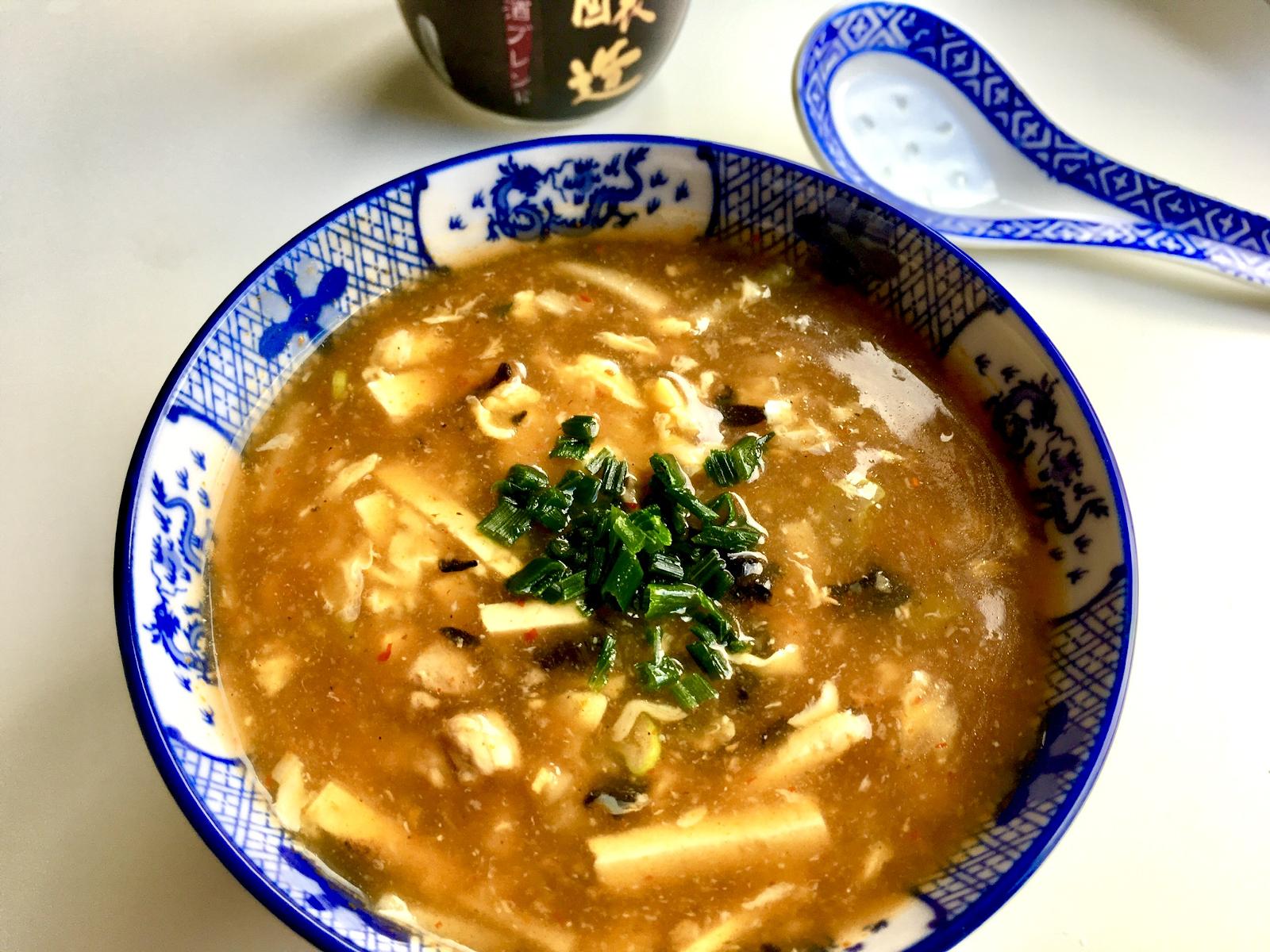 scharf-saure Peking Suppe