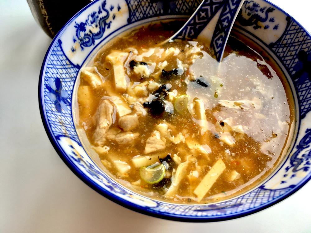 Pekingsuppe in japanischer Suppenschale