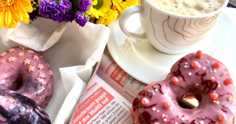 Vollkorn-Donuts mit Kaffee