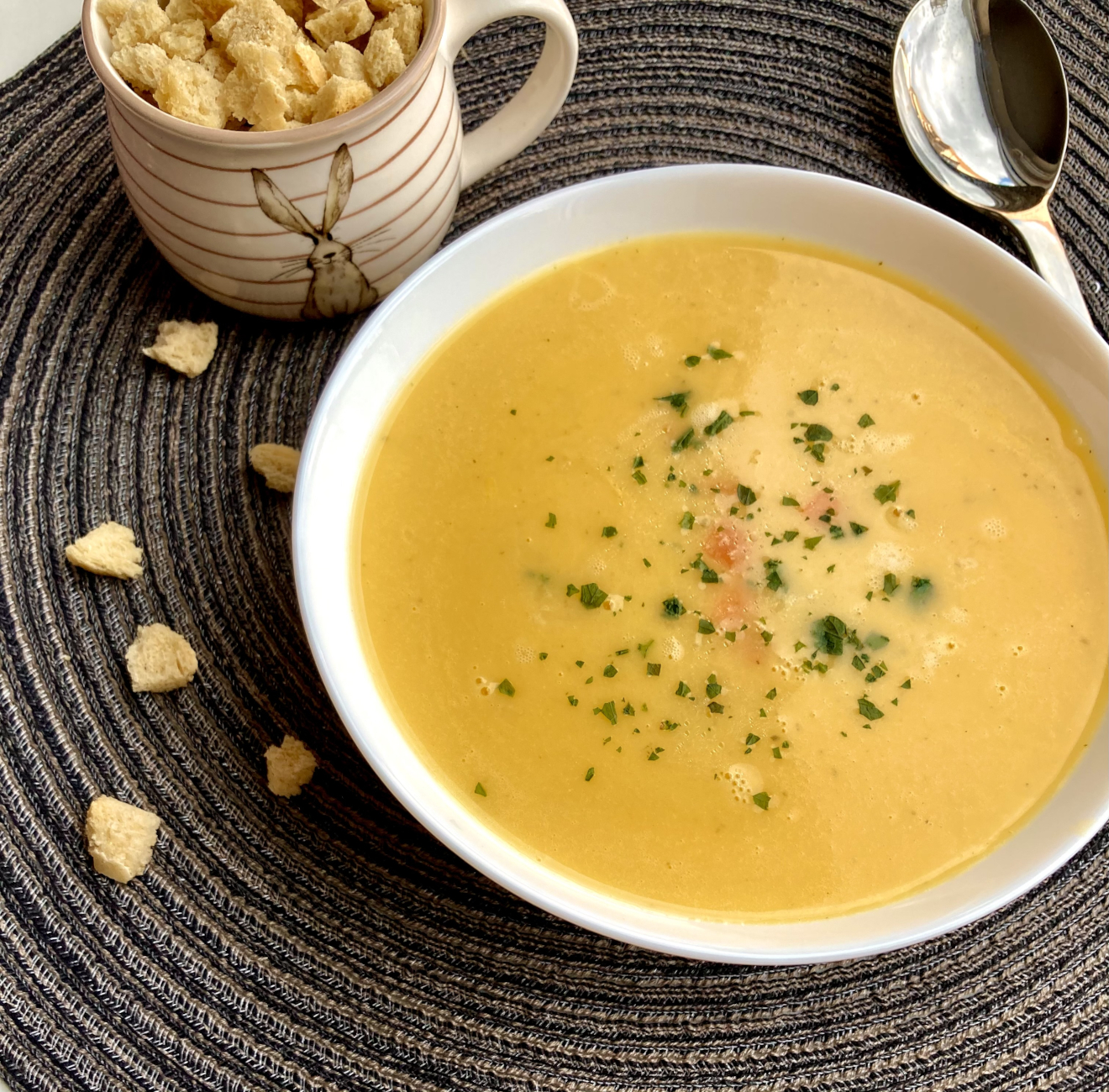 Kartoffel-Karotten-Suppe mit Petersilie