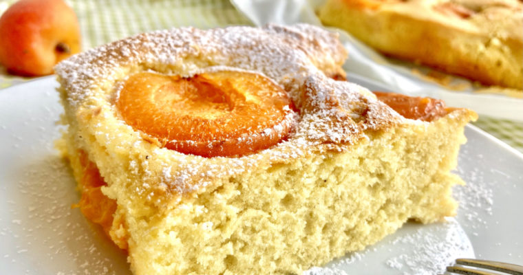 Blechkuchen mit Obst