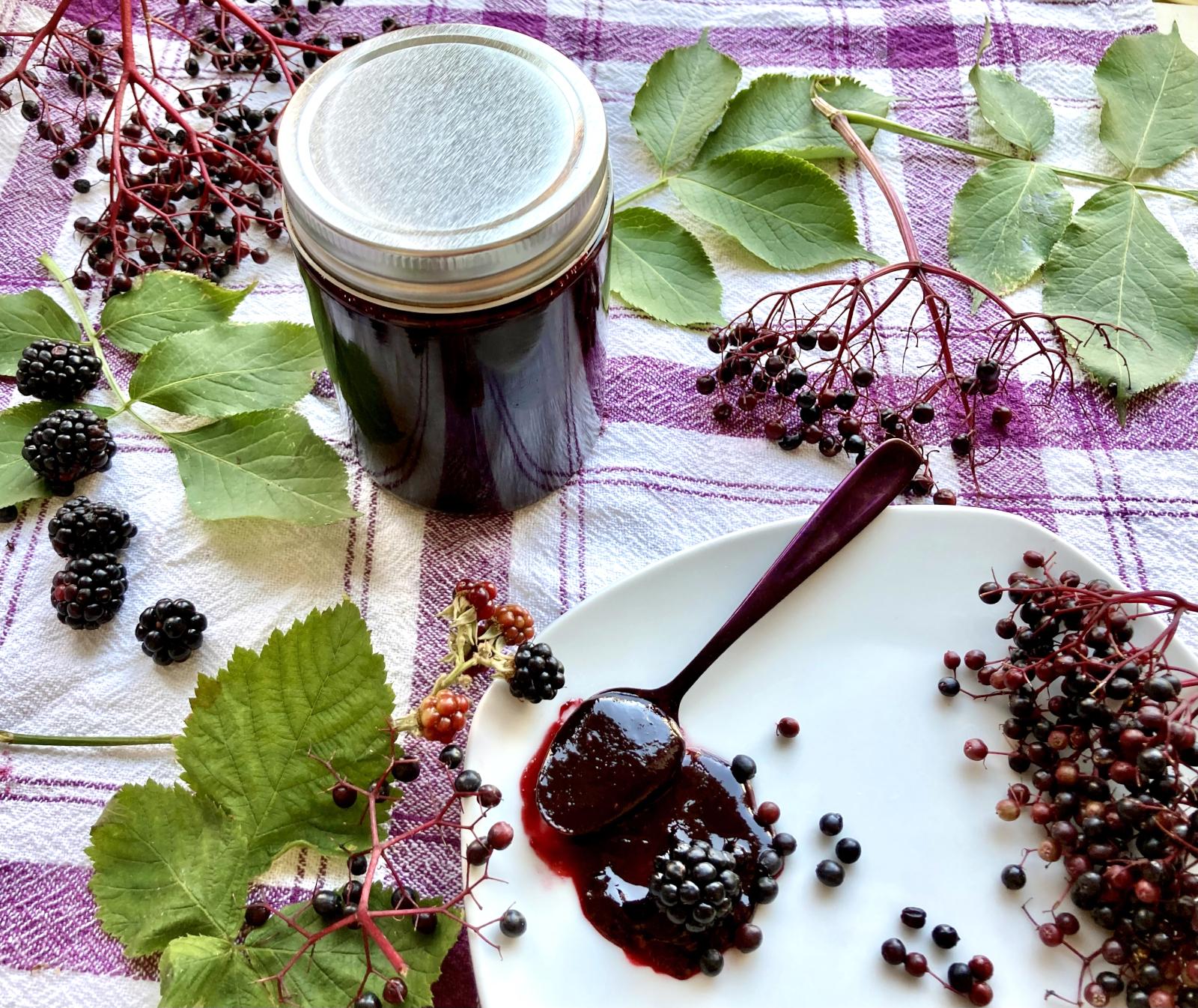 Holunder Marmelade mit Brombeeren